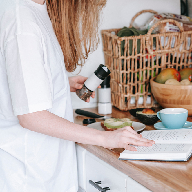5 BOOKS INSPIRING US TO CONNECT WITH WHAT WE EAT